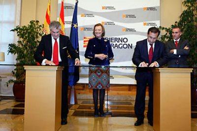 PGobierno de Aragón, Banco de Santander e IberCaja firman acuerdo en pro de las pymes aragonesas