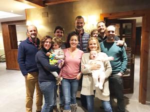 familia-real-en-hotel-real-villa-anayet-clientes